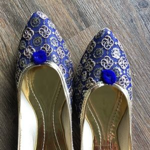 Shoes - MOVING OUT In TWO WEEKS! HELP! Blue Bling Jutti